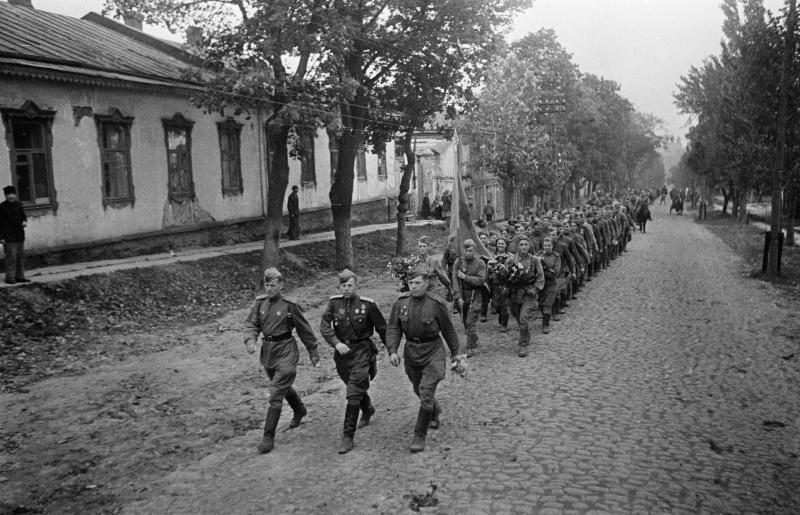 Красная Армия входит в Полтаву.