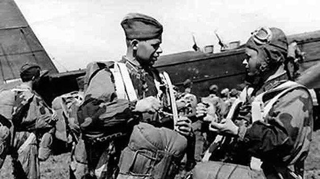 Советские десантники.