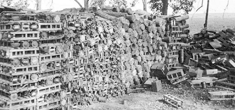 Немецкий склад, захваченный в Кудринском лесу у города Глухова.