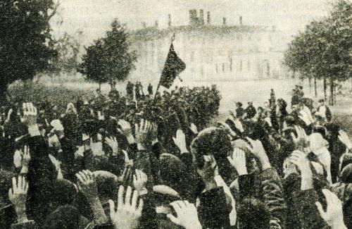 Жители Полтавы встречают освободителей.