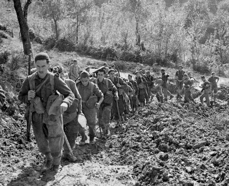 5-я гренадерская гвардия поднимается на свои позиции под Анцио.