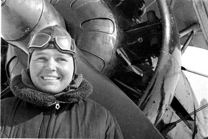 Полина Осипенко – легендарная бердянская летчица, имя которой носил город в 1939-1958 годах.