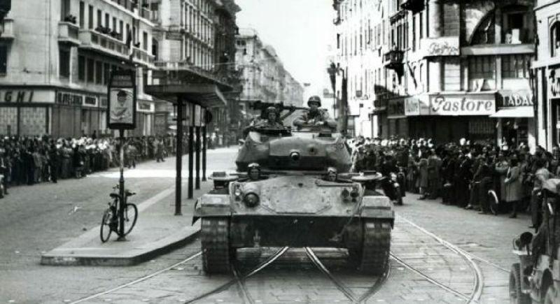 Британские солдаты в Неаполе.