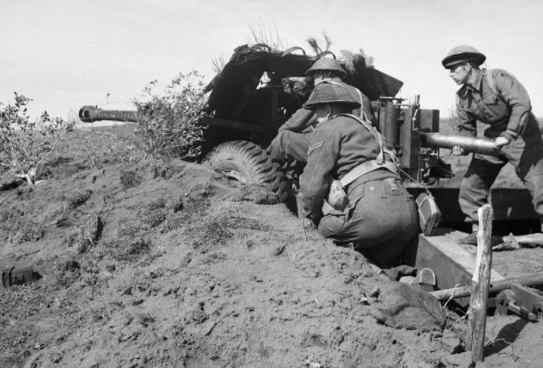 Британское противотанковое орудие на плацдарме Анцио.