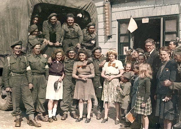 Британские солдаты в Европе.