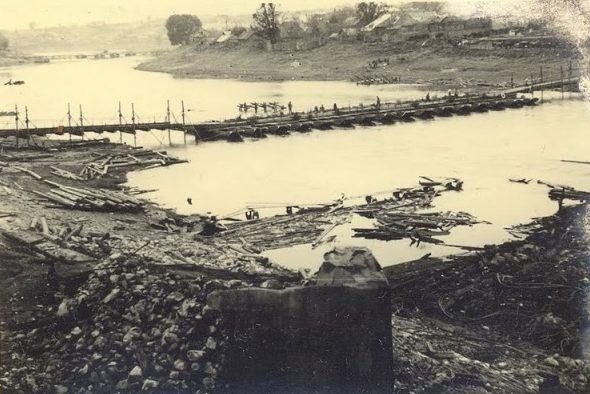 Переправа через реку Каспля. Район хлебозавода. Июль 1941 г.
