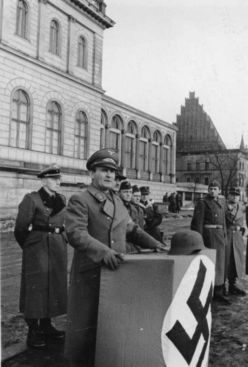 Гауляйтер Нижней Силезии Карл Ханке. Февраль 1945 г.