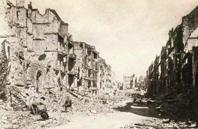 Улицы Бреслау после капитуляции города.
