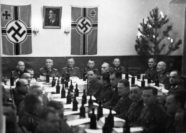 Новый год в офицерском казино. 1942 г.