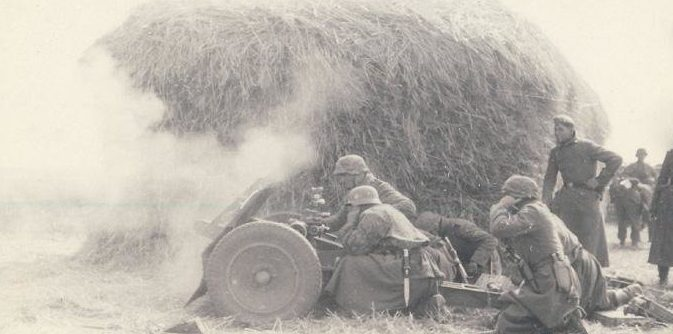 Атака немецких пехотинцев в районе Кременчуга. 8 сентября 1941 г.