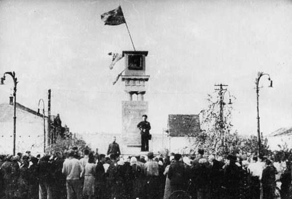 Первый митинг, посвященный освобождению Бердянска. 18 сентября 1943 г.