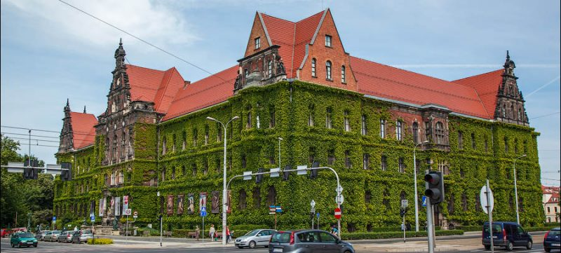 Главное здание Национального музея во Вроцлаве.