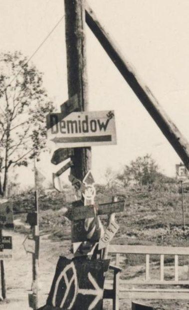 Дорожные указатели города. 1943 г.