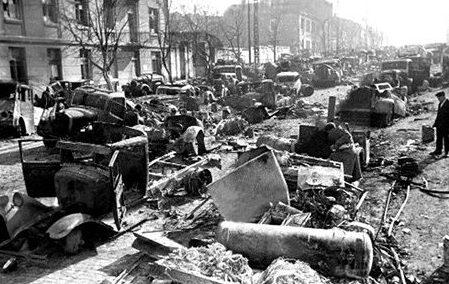 Улица Артема после боев. Сентябрь 1943 г.