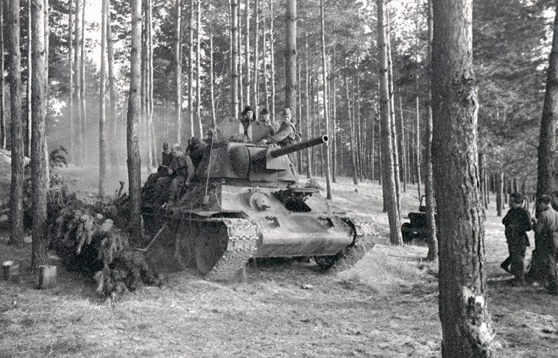 Советские войска у Глухова. 1 сентября 1943 г.