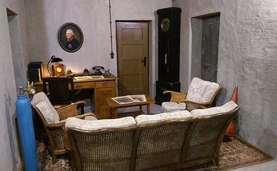 Воссозданный кабинет фюрера.
