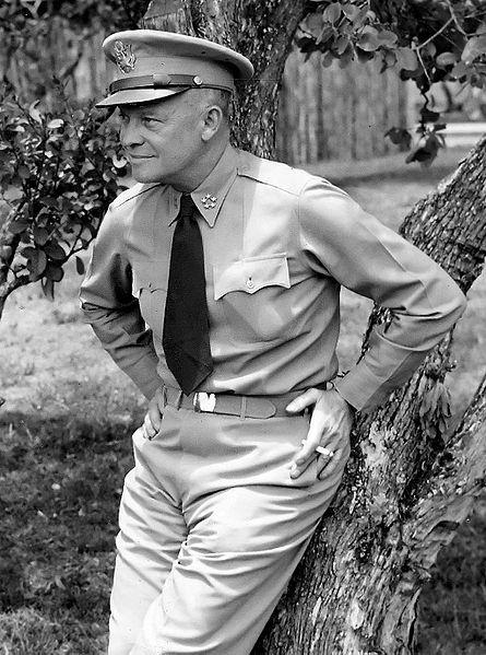 Генерал армии Эйзенхауэр.