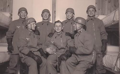 Первые десантники Люфтваффе. 1937 г.