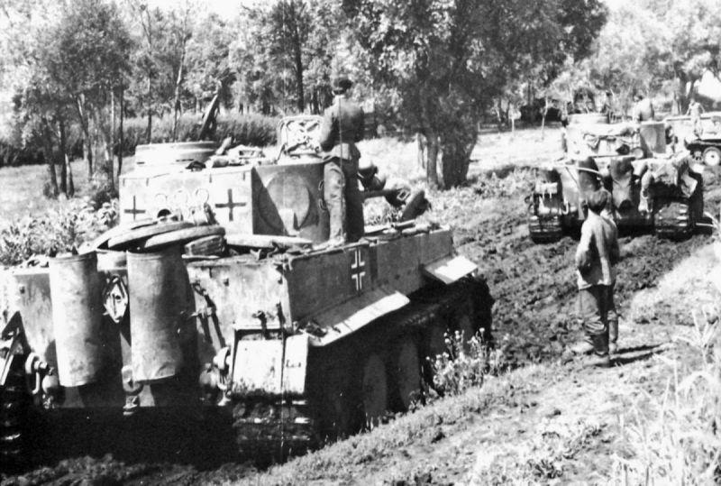 Танки «Тигр» 503-го тяжелого танкового батальона Вермахта в районе Знаменки. 1943 г.