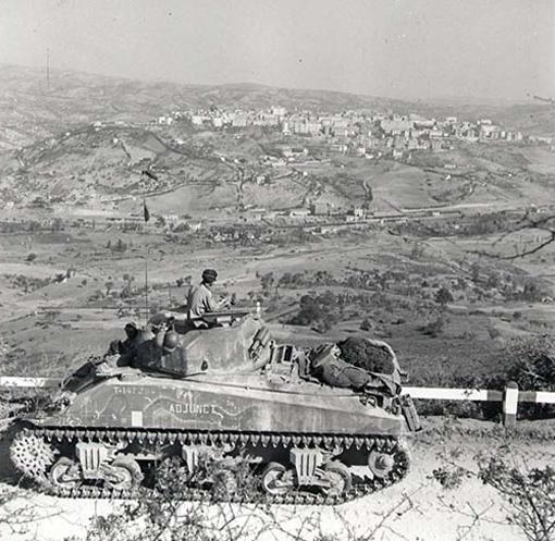 5-я канадская бронетанковая дивизия в Италии.