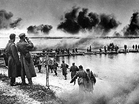 Переправа советских войск через Днепр.