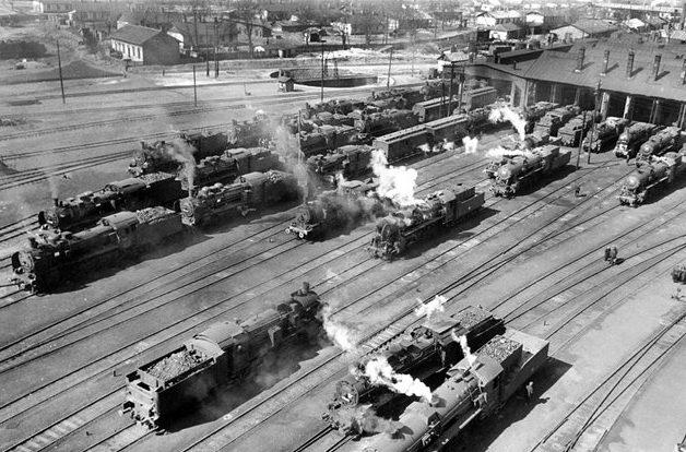 Паровозное депо станции Знаменка. 1941 г.