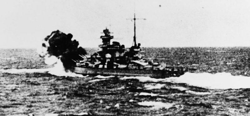 «Шарнхорст» во время боя с британским авианосцем «Глориус» и его конвоем. 8 июня 1940 года.