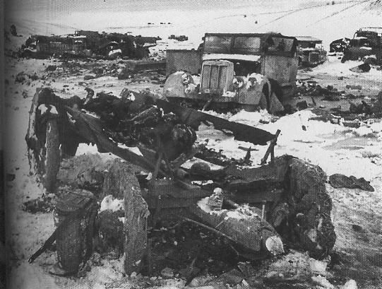 Немецкая техника, разбитая при попытке вырваться из Корсунь-Шевченковского окружения.