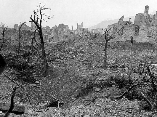 Руины города Кассино после битвы.