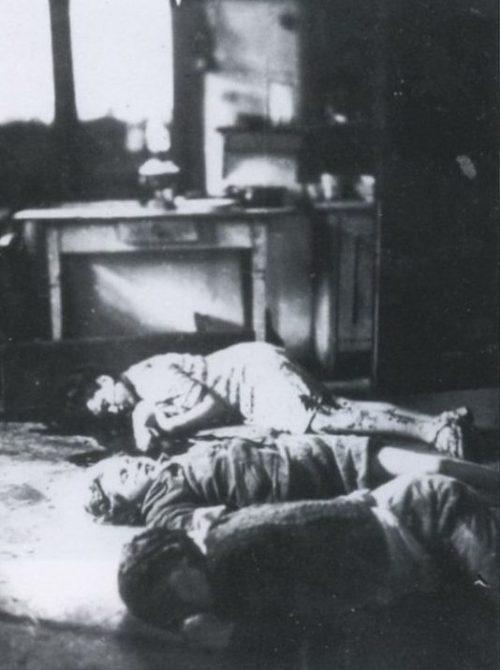 Польская семья Шайер, мать и двое детей, вырезана у себя в доме во Владинополе в 1943 г.