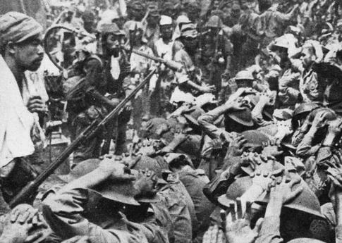 Военнопленные союзники, захваченные во время битвы при Батаане. 1942 г.