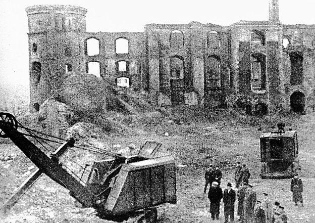 Руины Королевского замка в Кёнигсберге. 1946 г.