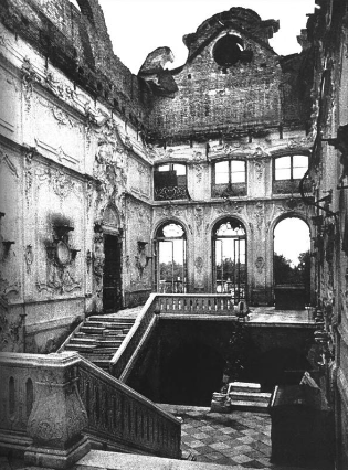 Парадная лестница Екатерининского дворца.