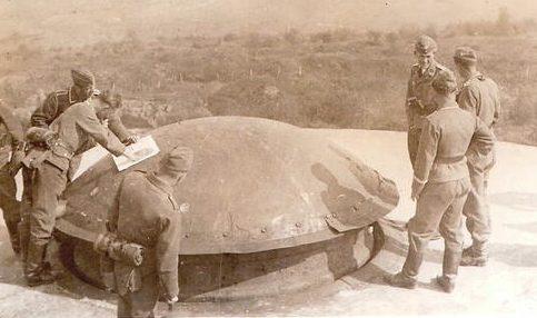 Немецкие парашютисты на Линии Мажино. 1940 г.