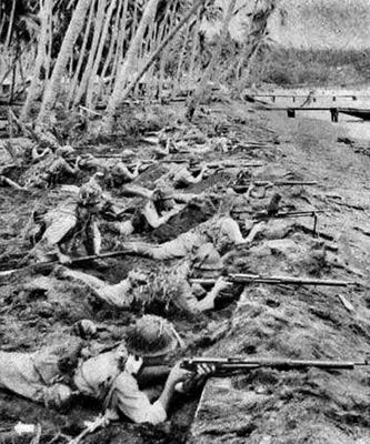 Японские солдаты в обороне острова Новая Джорджия. Май 1943 г.
