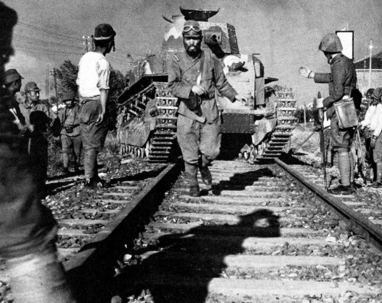 Японские танки в Шанхае. Сентябрь 1937 г.