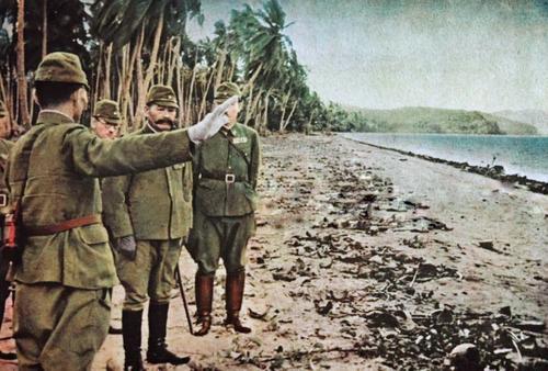 Генерал-майор Кийотаке Кавагути и его сотрудники из 35-й пехотной бригады на острове Гуадалканале. Сентябрь 1942 г.
