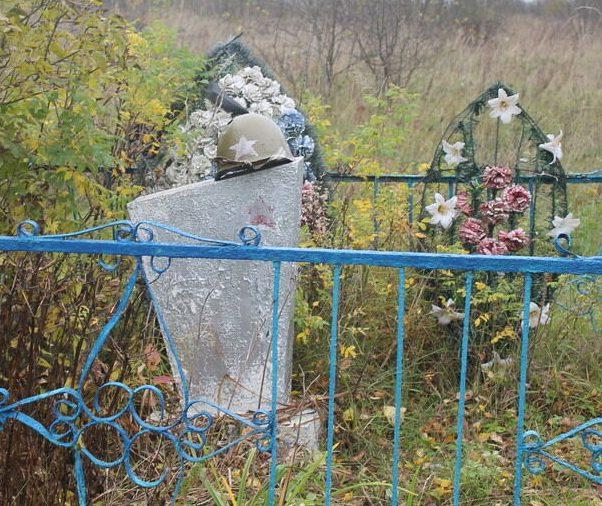 д. Праники Демидовского р-на. Памятный знак «Игловиковская высота» на месте подвига советских воинов под командованием лейтенанта Игловикова.