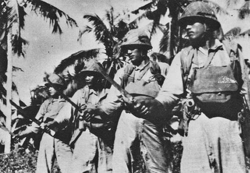 Солдаты-добровольцы в Императорской армии Японии, завербованные из племен Тайваня. Июнь 1944 г.