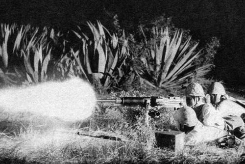 Расчет тяжелого пулемета типа 92 в ночной атаке. Бирма 1942 г.