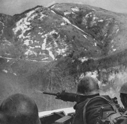 Пулеметное гнездо в горах Бирмы. 1942 г.