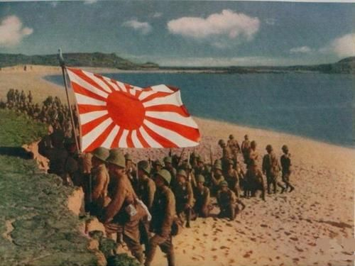 Японские войска высадились на берег в Голландской Ост-Индии. Март 1942 г.