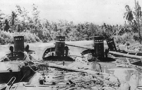 Уничтоженные японские подводные лодки на Сайпане. Июль 1944 г.