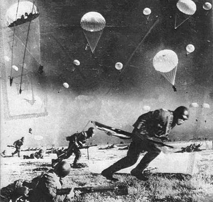 Десантники ВМС Японии во время битвы при Манадо. Голландская Ост-Индия, 1942 г.
