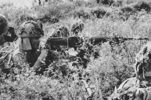 Японская армия во время вторжения в Малаю. 1942 г.