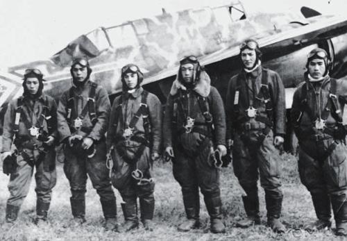 Летчики-истребители Ki-45. Япония, 1945 г.