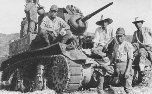 Захваченный японцами американский танк. Манила, 1942 г.