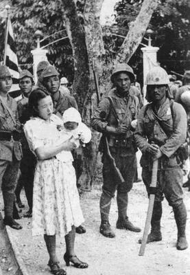 Японские солдаты в Маниле. 1942 г.