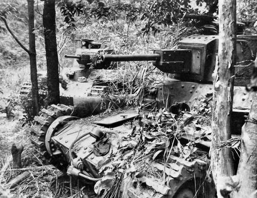 Брошенные японские танки в Лусоне. Филиппины, 1945 г.