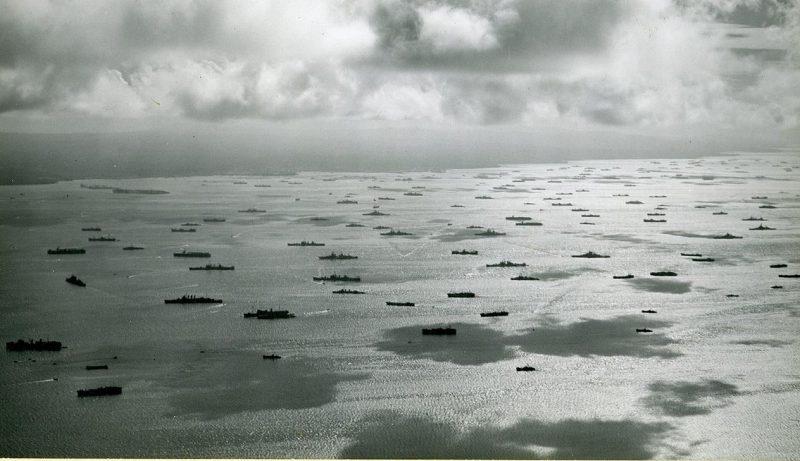 Союзный флот перед высадкой в Лейте.